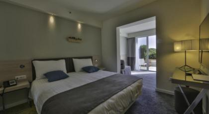 Dvokrevetna soba s 2 pomoćna ležaja - HB