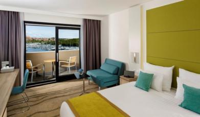 Dvokevetna soba, premium morska strana balkon, noćenje s doručkom