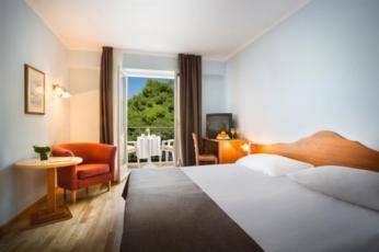Dvokrevetna soba, suite strana more sa balkonom s noćenjem i doručkom-depandansa