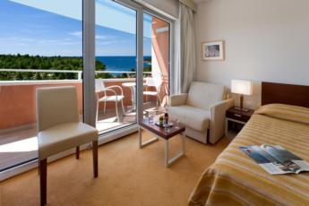 Dvokrevetna soba s balkonom - all inclusive