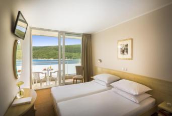 Dvokrevetna soba superior sa dodatnim ležajem i balkonom - light all inclusive